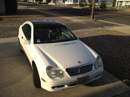Excellent condition White 2002 Mercedes  Benz C230 Kompressor