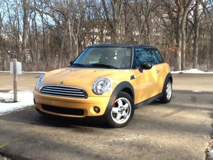 excellent condition yellow 2008 mini cooper mini in. Black Bedroom Furniture Sets. Home Design Ideas